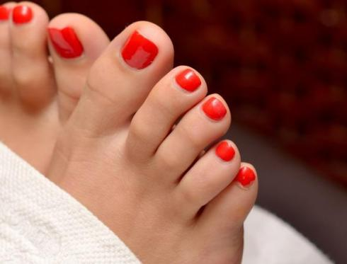 bright-red-toes