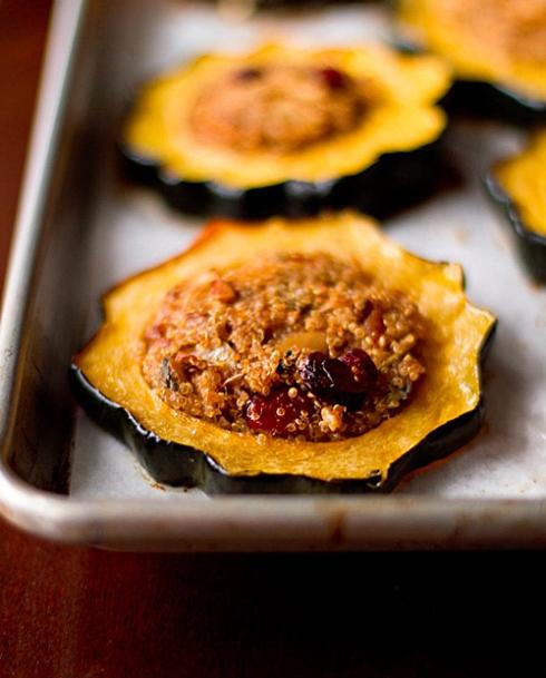 quinoa_stuffed_acorn_squash_rings_close